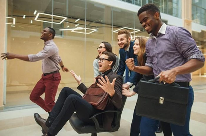 4 Reasons Why Ergonomic Office Chairs Are Important for Your Team
